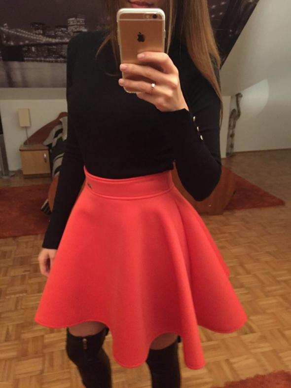Spódnice Rozkloszowana spódnica XS