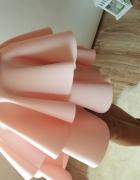 Sukienka rozkloszowana pudrowy róż falbanki