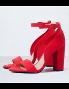 bershka 38 sandały czerwone słupek