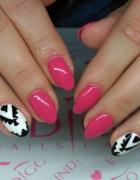 tina nails art Martyna Brzuzy