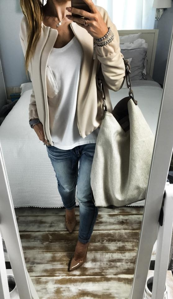 Do pracy nude & white & jeans
