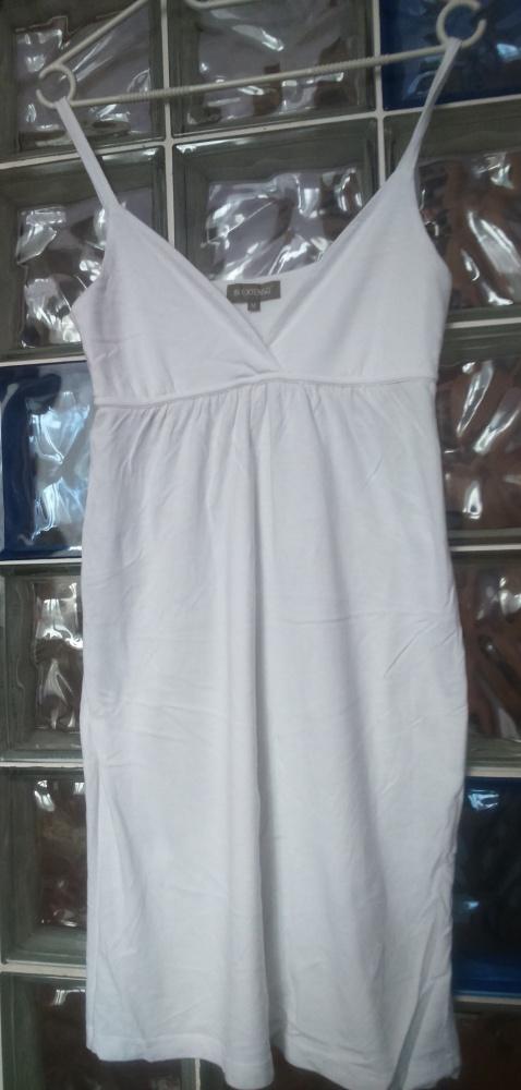 fafce3448c47a9 Biała bawełniana sukienka na ramiączkach w Suknie i sukienki - Szafa.pl