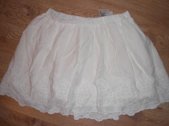 Spódnice biala spodniczka hm haft