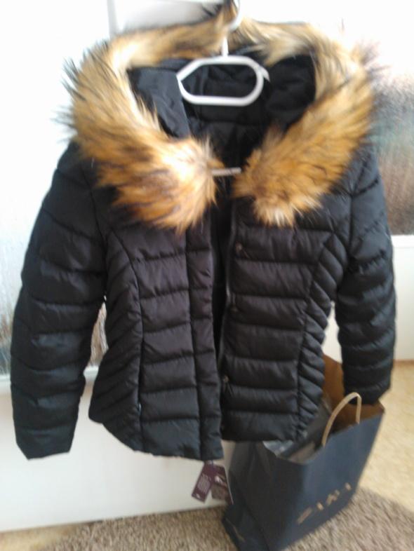 Odzież wierzchnia nowa pikowana kurtka zimowa Xs S puch