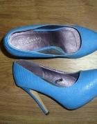 niebieskie szpilki Carry