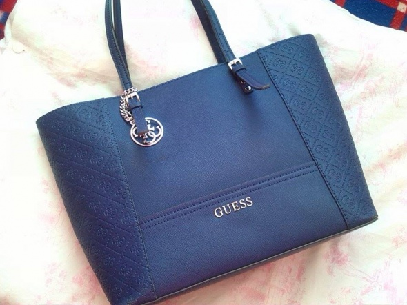 Granatowa Guess Delaney torebka shopper bag