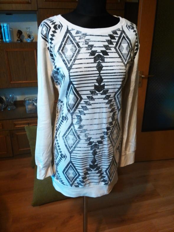 Długa bluza ecru ze wzorami azteckimi