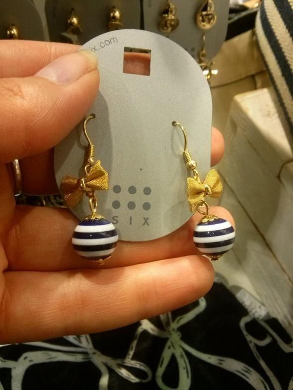 six kolczyki wiszące kulki w marynarskie paski...