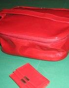 nowa kosmetyczka kuferek Primark czerwona...