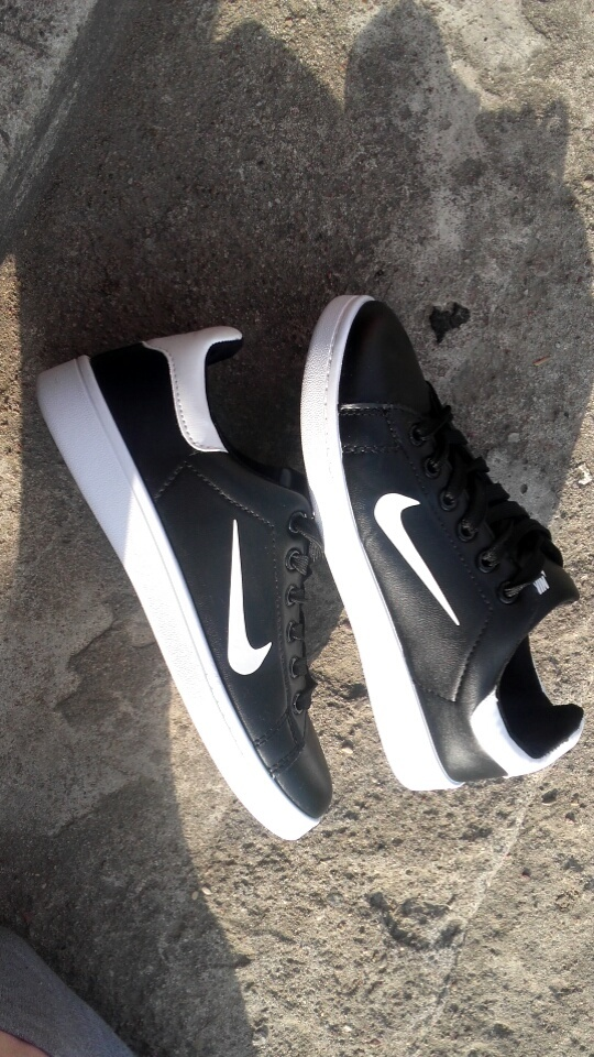 trampki buty nike carpi białe czarne nowe