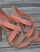 Jak NOWE 37 Bershka morelowe nude szpilki sandały