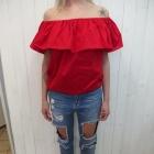 krwista czerwona hiszpanka bluzka z falbanką jeans