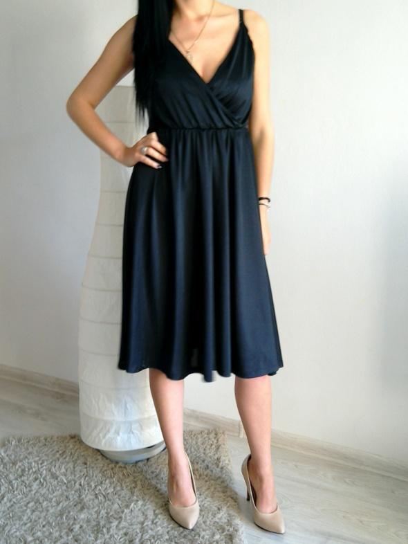 074e64bec8 Elegancka rozkloszowana sukienka ciążowa HM M w Suknie i sukienki ...