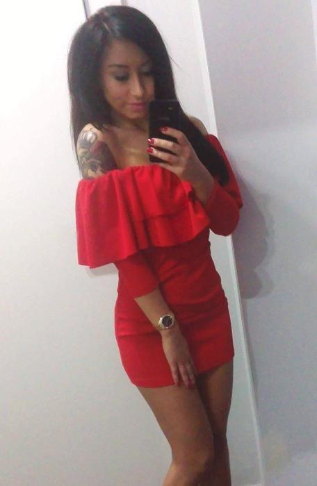 Czerwona sukienka falbanka