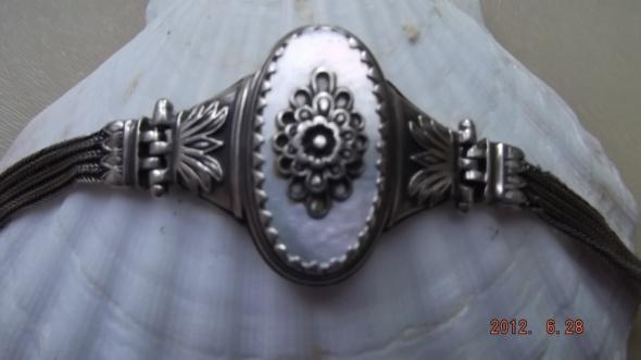 Stara srebrna z masą perłową...