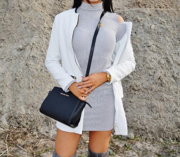 Blogerek sukienka z golfem