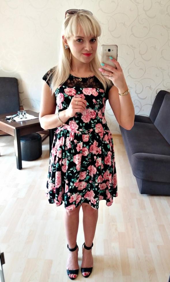Codzienne Sukienka w róże