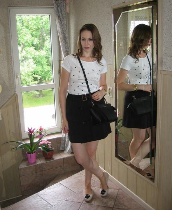 Codzienne Trapezowa spódnica i tshirt