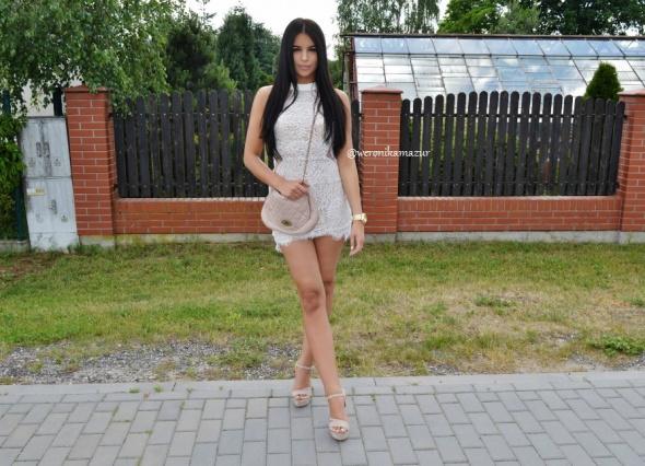 Blogerek lace bodycon dress