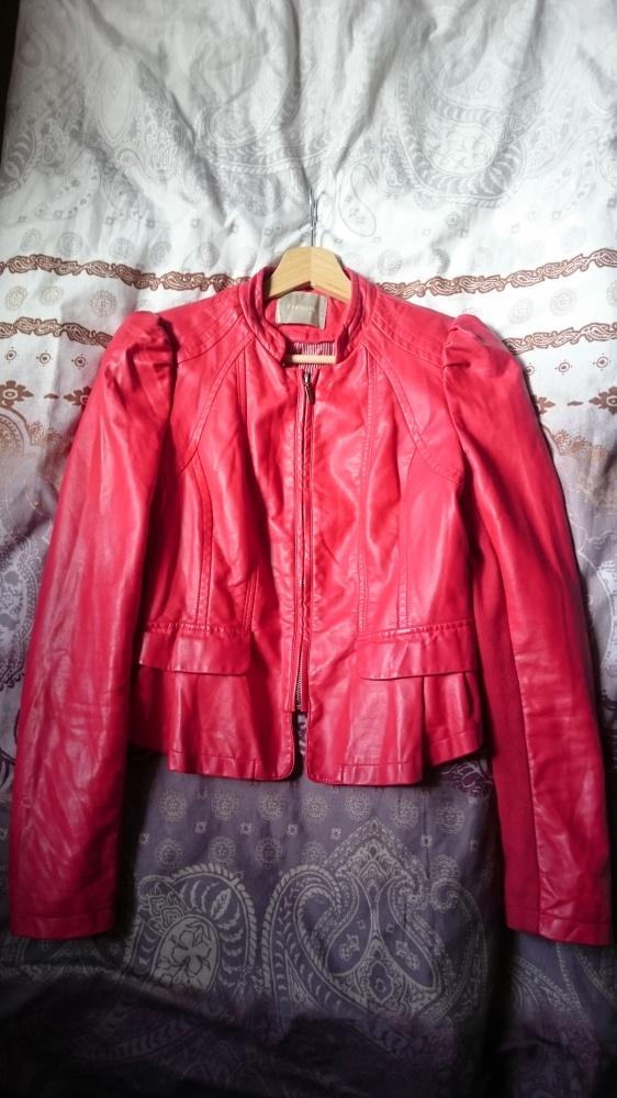 49e5bc485702f Czerwona kurtka Orsay w Odzież wierzchnia - Szafa.pl