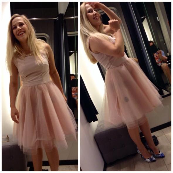 Ubrania Sukienka tiulowa pudrowy róż MOHITO r 36
