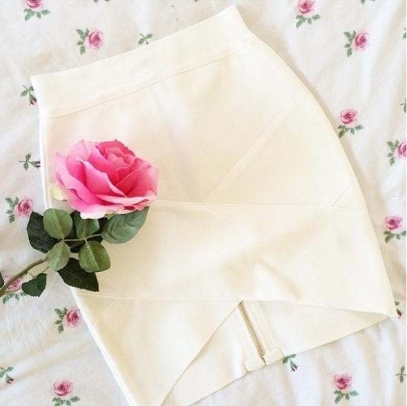 Spódnice spódniczka bandażowa zakładana biała