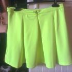 Neonowa rozkloszowana spódnica