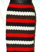 Spódnica z kolorowej koronki 40