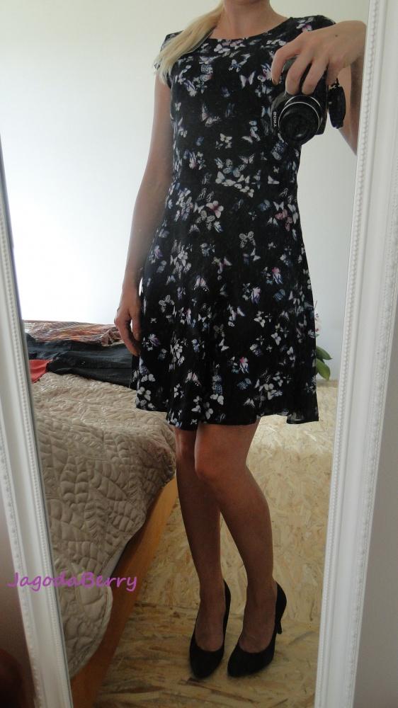 Do pracy Sukienka w motylki