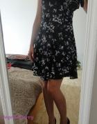Sukienka w motylki...
