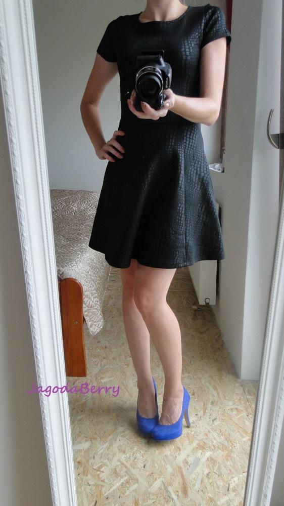 Eleganckie Sukienka z motywem skóry węża