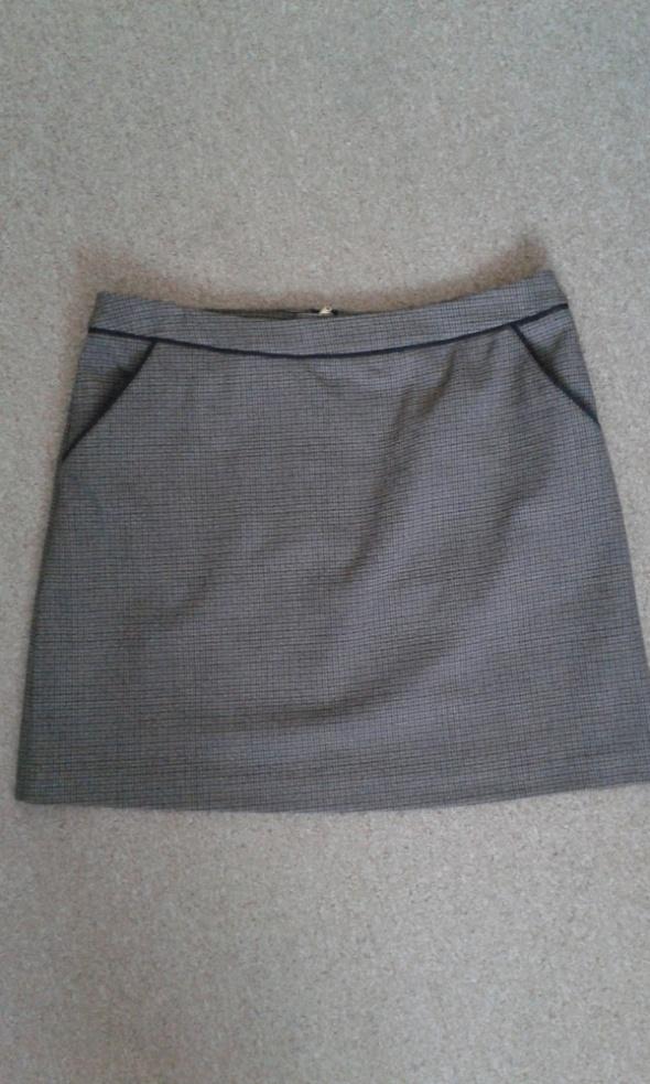 Spódnice krótka spódnica