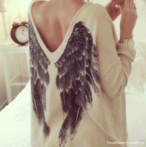 Szukam Sweter ze skrzydlami kappahl...