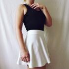 Bershka biała mini spódniczka tenisowa klosz
