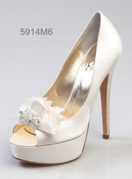 PILNIE szukam wysokich butów obcas 14cm jasnych 36...