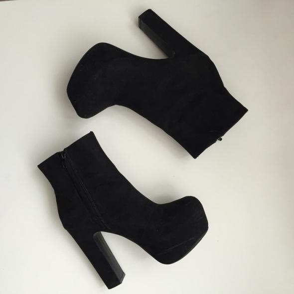 H&M Platform boots 0339093001 Black size 36...
