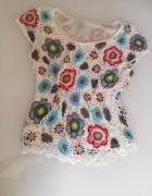 Koronkowa bluzeczka w kwiaty z podszewką