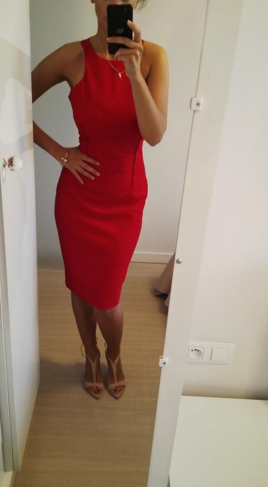 Na specjalne okazje czerwona sukienka