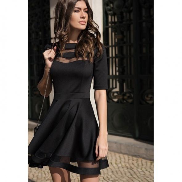 48cd579b9248 ROZKLOSZOWANA SUKIENKA CZARNA SIATECZKA w Suknie i sukienki - Szafa.pl
