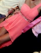 Asymetryczna neonowa sukienka świadkowa SM
