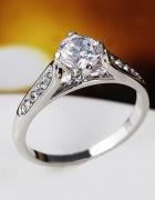śliczny pierścionek cyrkonie r 11 12 14 15 17