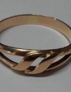 złote pierścionki...