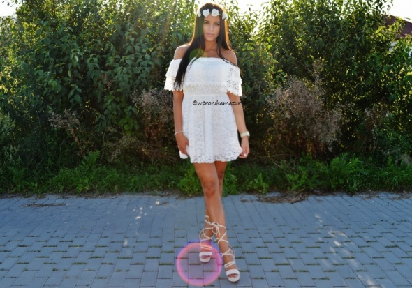 Blogerek lace dress