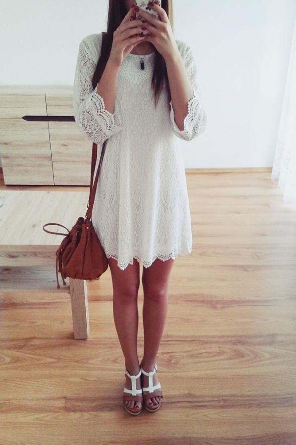 Codzienne Biała koronkowa sukienka
