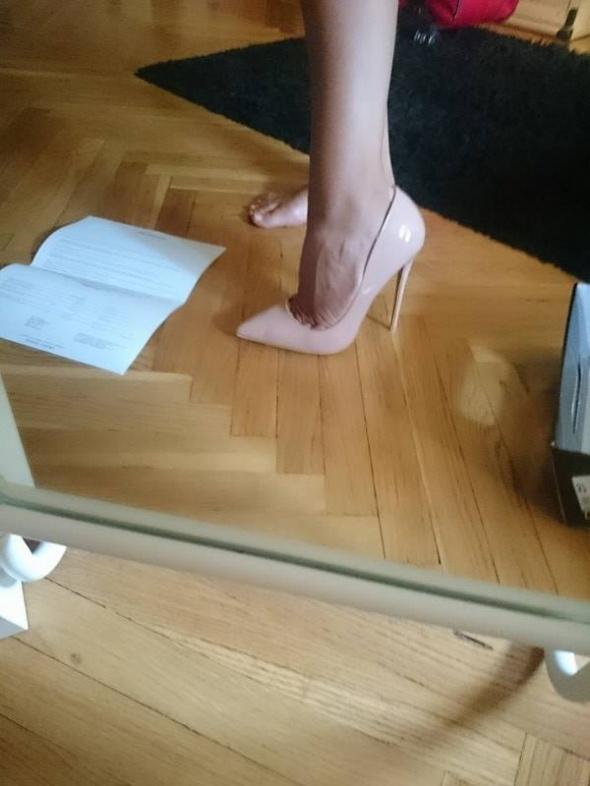 Szpilki Szpilki nude pudrowe mega zgrabne szpic Louboutine