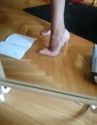 Szpilki nude pudrowe mega zgrabne szpic Louboutine