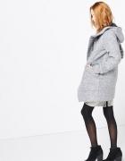 Płaszcz Reserved z przeszyciami