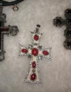Trzy stare wielkie krzyże