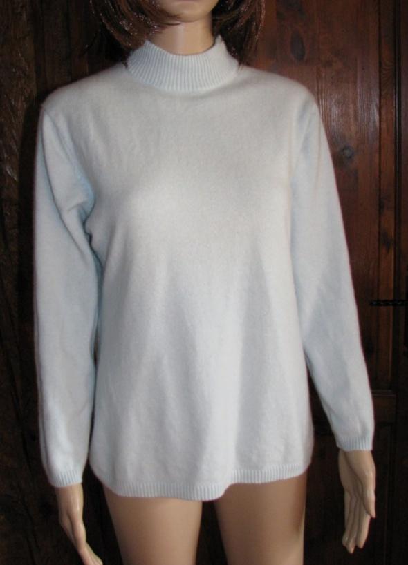 Kaszmirowy swetr poł golf klasyk