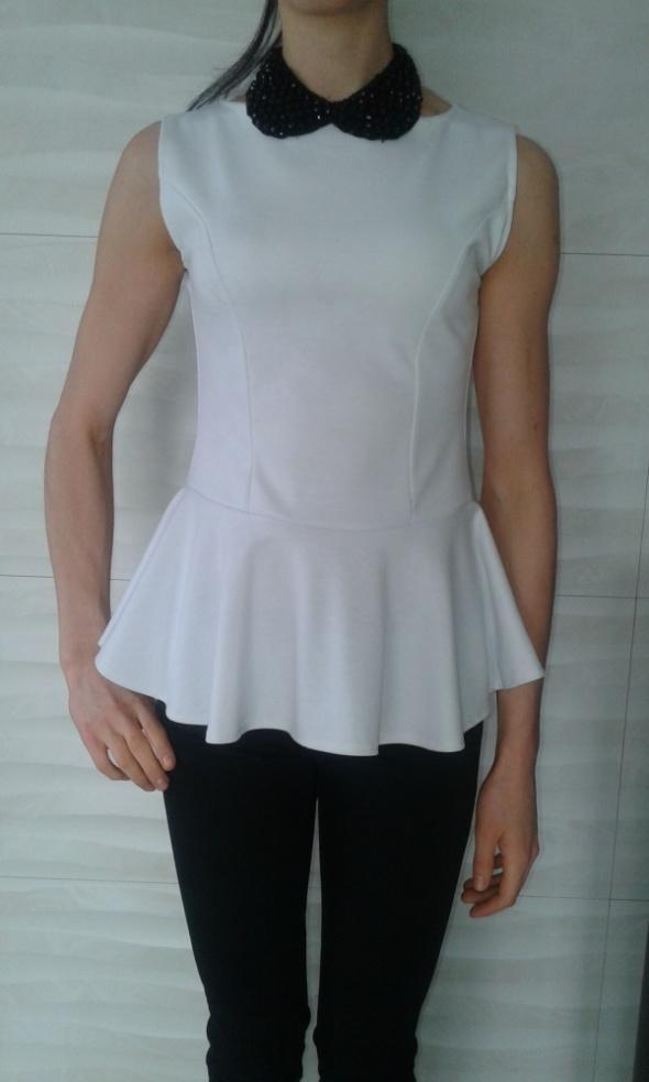 Bluzki Biała bluzka z baskinką